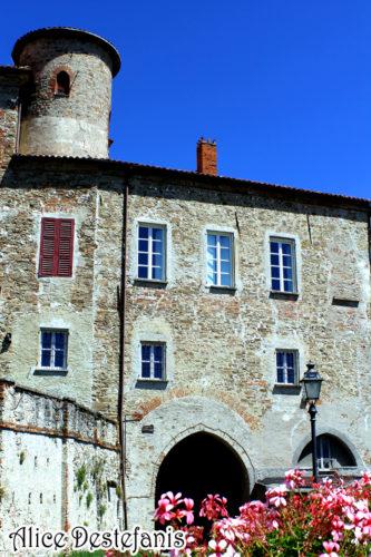 Il castello di Sale San Giovanni