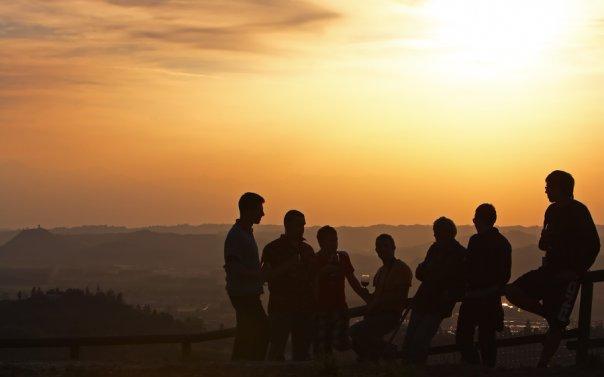 Amici e tramonto